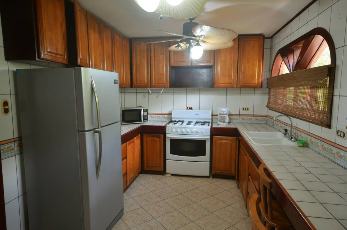 condos for rent in Jaco