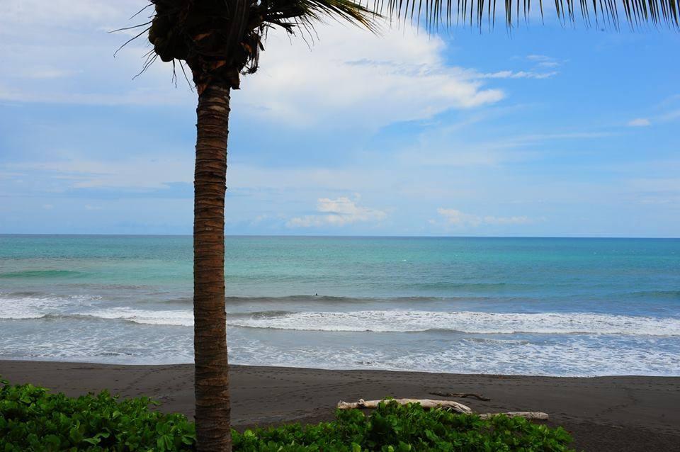 oceanfront condos in Playa Hermosa