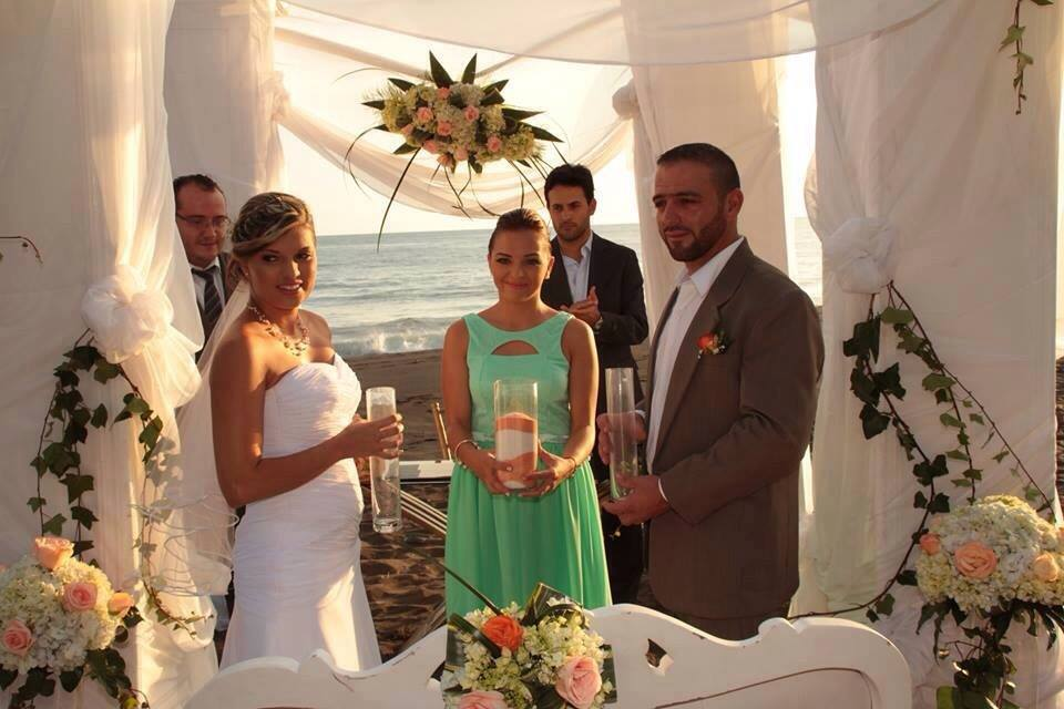 weddings in Playa hermosa