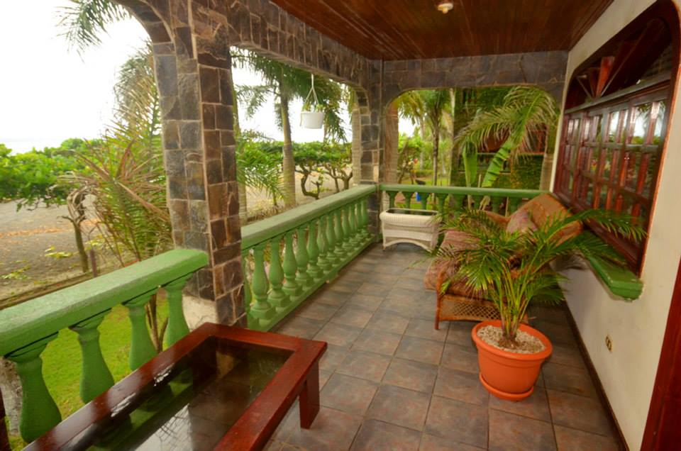 beachfront condo in jaco