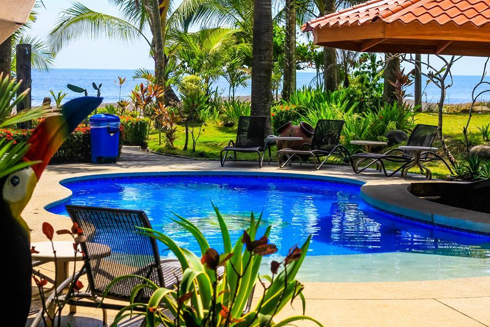 vacation rental home with pool in Jaco