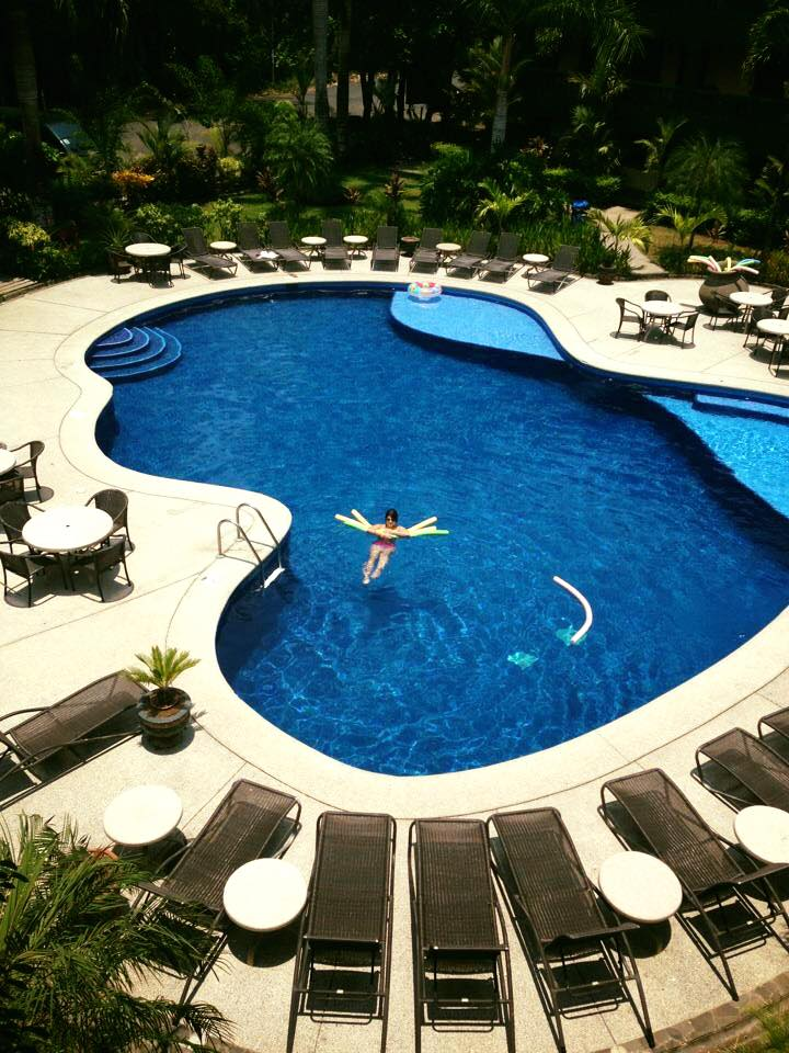 luxury pool villas in Jaco