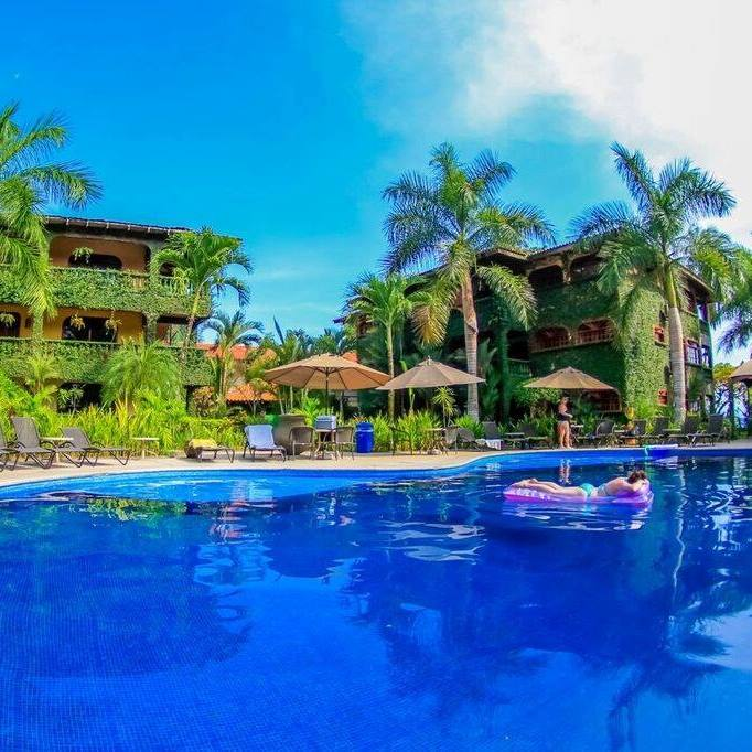 vacation rental in jaco with pool