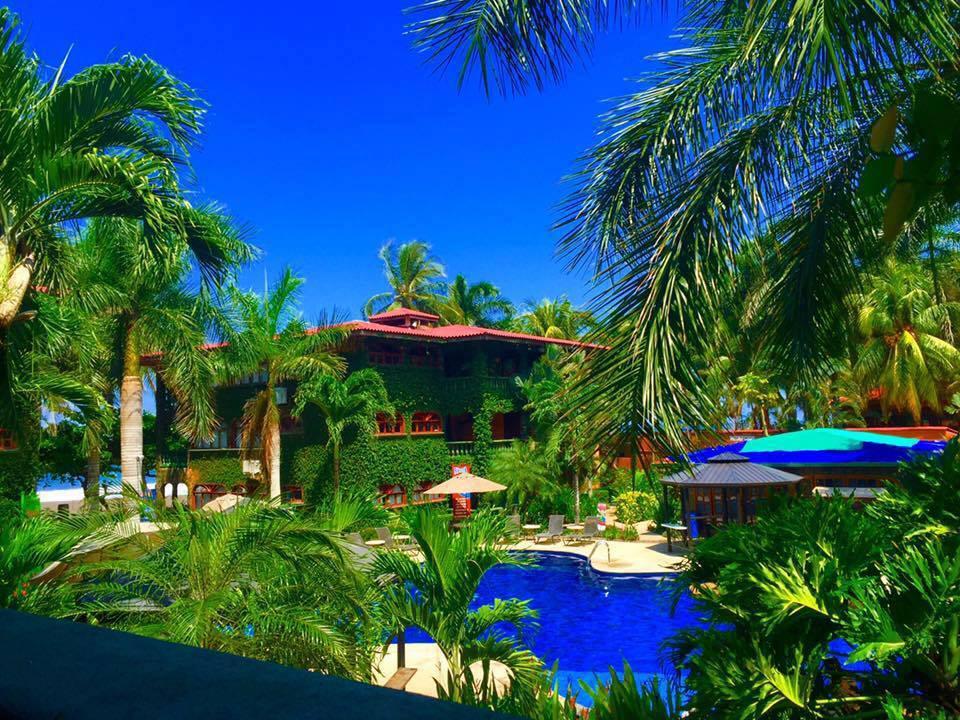 Marea Brava Hotel & condos in Jaco