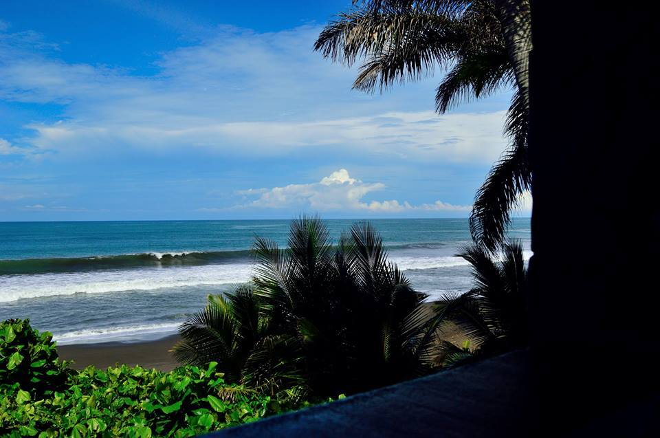 Oceanfront hotel in villas in playa Hermosa