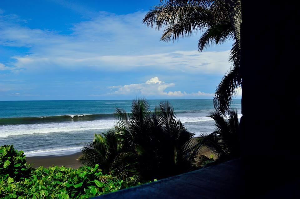 Oceanfront hotel in villas in playa Hermosa